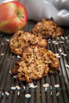 Æbleklatter Små kalorielette og søde æbleklatter med dejlig smag af vanilje fra Familie Journals Slankeklub. Perfekt som en lille sund kage til kaffen.