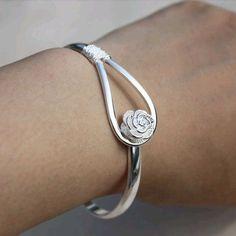 925 silver Romantic cherry bracelet ,925 silver jewelry lowest price shop at www.costwe.com