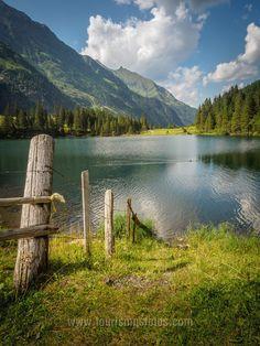 Der Hintersee bei Mittersill / Salzburg ist ein traumhafter Platz zum Entspannen im Nationalpark Hohe Tauern. Auch dieses Foto kannst du dir an die Wand hängen. ;-) Salzburg, Mountains, Nature, Travel, Pictures, National Forest, Voyage, Viajes, Traveling