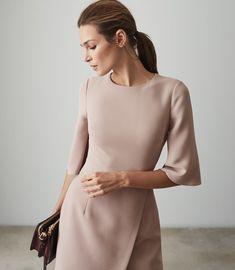 Shop our stylish contemporary womenswear ran Minimal Outfit, Minimal Fashion, High Fashion, Womens Fashion, Reiss Dresses, Modest Dresses, Formal Dresses, Wrap Front Dress, Ankara Gown Styles