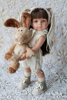 Гламурный зверополис / Куклы Паола Рейна, Paola Reina / Бэйбики. Куклы фото. Одежда для кукол Sewing Doll Clothes, Sewing Dolls, Doll Clothes Patterns, Knitted Romper, Knitted Dolls, Pretty Dolls, Beautiful Dolls, American Girl Crafts, Reborn Baby Dolls