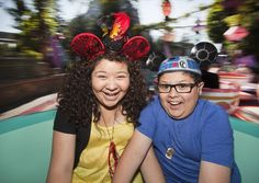#RicoRodriguez y  #RainiRodriguez  en #Disneylandia