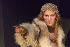 Cro-Magnon women look like . Not very different from modern times .