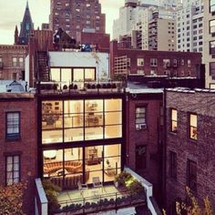 Gramercy Park Townhouse: http://intothegloss.com/2014/03/beautiful-apartment-pictures/