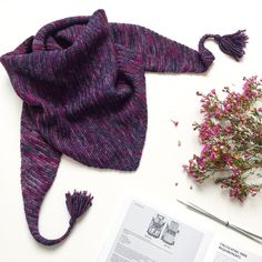 Free knitting patterns and step-by-step basic knitting lessons and  tutorials. Everything from simple knitted hats,fast chunky Garter Stitch  scarves, cozy infinity scarves and cowls, to handknitted shawls, blankets,  sweaters, pillows and dresses.