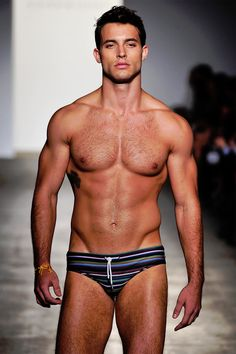 Runway model, shirtless in swim suit-why is it that male models can look like this and female models look deathly? Hot Guys, Hot Men, Sexy Men, Men's Swimwear, Swimsuits, Swimwear Fashion, Beachwear, Speedos, Shirtless Men
