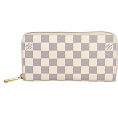 Pre-owned Louis Vuitton Wallet ($806) ❤ liked on Polyvore featuring bags, wallets, wallet, apparel & accessories, handbags, wallets & cases, wallets & money clips, pink wallet, zipper wallet and real leather wallets