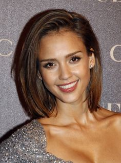 jessica alba short hair. Just might cut it like this!