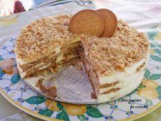 Bolo de bolacha com natas Portuguese Desserts, Portuguese Recipes, Portuguese Food, Cheesecakes, Vanilla Cake, Tiramisu, Holiday Recipes, Good Food, Food And Drink