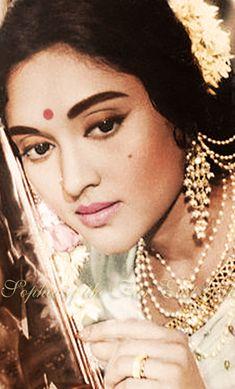 Vintage Bollywood actress Vyjayanthimala as Shalini Singh in Jewel Thief Original b&w photo colourized by me. Hindi Actress, Indian Film Actress, Old Actress, Bollywood Actress, Indian Actresses, Vintage Bollywood, Indian Bollywood, Bollywood Stars, Most Beautiful Indian Actress