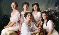 Tsarina Alexandra Feodorovna With Her Daughters Tatiana Romanov, Anastasia Romanov, Alexandra Romanov, Alexandra Feodorovna, Romanov Sisters, Grand Duchess Olga, Colorized Photos, Tsar Nicholas, Imperial Russia