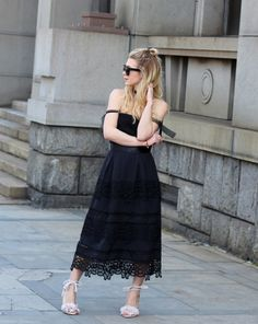 Dressing forsummercan be a giant pain the ass—no hugecoats to cover up with, so you kind of have to love everything you put on, every day.But we're of the mind that all you need to get through the season is one really good black dress.After all, wearing a bunch of denim shorts and tank topswill…