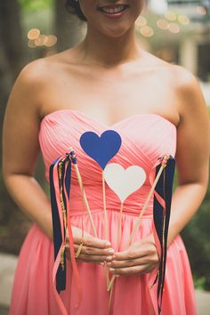 Sweet touches in this bridesmaid's photo