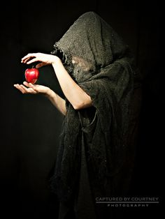The witch and the apple