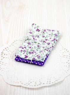 stoffe di cotone colorate 2  viola a pois e fiori di ilgattogoloso, €3.50