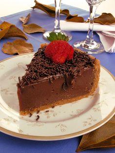 Confira esta receita de Torta de brigadeiro. É irresistível! As receitas são testadas e com foto. Clique e aproveite!