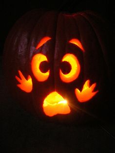 Yahoo - login - Real Time - Diet, Exercise, Fitness, Finance You for Healthy articles ideas Cute Pumpkin Carving, Halloween Pumpkin Carving Stencils, Halloween Pumpkin Designs, Pumpkin Carving Patterns, Easy Halloween, Halloween Pumpkins, Pumpkin Painting, Halloween 2020, Disney Pumpkin Carving