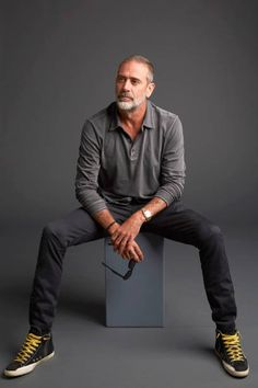 Jeffrey Dean Morgan from AMC Networks 'The Walking Dead' poses for a portrait in the Getty Images Portrait Studio powered by Pizza Hut at San Diego 2018 Comic Con at Andaz San Diego on July Get premium, high resolution news photos at Getty Images Jeffrey Dean Morgan, Celebridades Fashion, Hilarie Burton, Foto Portrait, Older Men, Daryl Dixon, Mannequins, Stylish Men, Look Cool