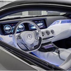 Amazing Mercedes S Class Coupe Interior | Photo: @thisisamans.world