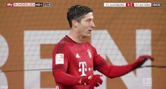 They sure can score, but they sure can't high-five, haha.  Robert Lewandowski and Thomas Müller.  gif.