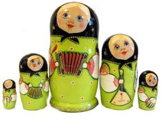 This 5 pieces Russian nesting doll was painted by amateur artist Letukov Vladimir. He was a track driver but after injury of the feet he could not work as a driver any more and to earn for his living he started to paint matryoshka nesting doll, this is his old passion.