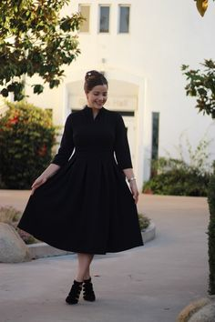 Our Jacqueline dress in black is now available! ❤️ M-4XL