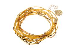 Bracelet chaîne Majique  Cordelette jaune  Piece/médaillon dorée Finition dorée Longueur réglable http://www.majiquejewellery.fr/summer-2014-collection/bracelets/fb31816-61635.aspx