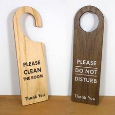Wooden door signs / Do not disturb - Hotel Room Ideas Door Signage, Wooden Signage, Wooden Door Signs, Wooden Doors, Doorknob Hangers, Door Hangers, Door Hanger Template, Hotel Door, Hotel Inn