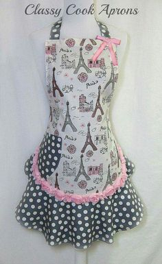 Delantales Retro Apron, Aprons Vintage, Homemade Aprons, Jean Apron, Sewing Crafts, Sewing Projects, Cool Aprons, Apron Designs, Girly