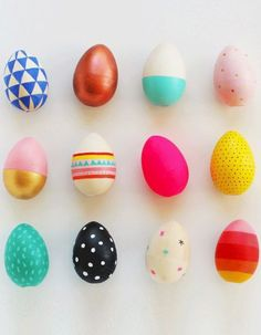 AMAZING Easter egg decorating ideas for adults! These Easter egg designs are incredible whether you are dying Easter eggs or painting. Easter Crafts, Holiday Crafts, Holiday Fun, Easter Ideas, Easter Egg Designs, Bunny Crafts, Easter Decor, Hoppy Easter, Easter Eggs