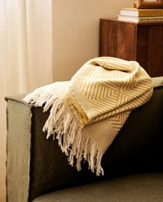Zara Home, Cotton Blankets, Soft Furnishings, Master Bedroom, Living Room, United Kingdom, Diamond, Collection, Image