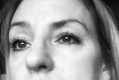 Ćwiczenia na opadające powieki wykonuję naprawdę rzetelnie, od blisko 3 tygodni. I nie, nie wydaje mi się, ja naprawdę widzę pierwsze efekty. Hair Beauty, Health, Face, Wax, Health Care, Healthy, Faces, Facial, Cute Hair