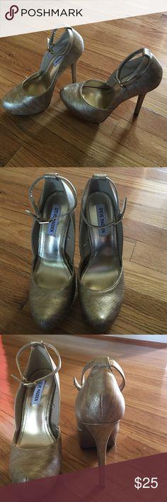 "Steve Madden Platform heels New gold heels high 5"" Steve Madden Shoes Platforms"