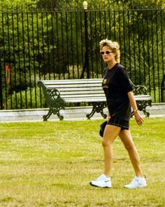 In her own word Princess Diana Death, Princess Diana Family, Princess Diana Pictures, Real Princess, Princess Of Wales, Kate And Meghan, Hm The Queen, Paparazzi Photos, Lady Diana Spencer