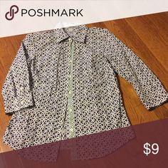 PRICE DROP! Interwoven Circle Pattern Top 97% Cotton, 3% Spandex Bass Tops Button Down Shirts