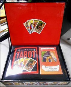 BRAND NEW The Essential Tarot Kit: Book and Card Set CARDS    ***   FREE S&H   *
