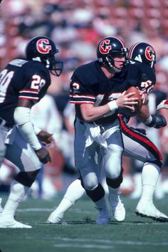 jim kelly of the houston gamblers American Football League, World Football League, National Football League, Spring Football, Nfl Football, Football Helmets, School Football, Sports Images, Sports Pictures