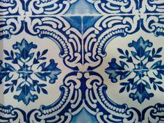 Behang, tegelmotief, blauwe, wit