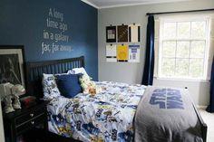 kid star wars bedroom ideas. One darker accent wall, as not darken the room too much. Big boys room