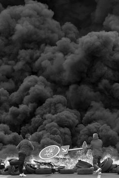 Fire, Smoke, Riot, Black and White San Andreas, Black Smoke, Photojournalism, Black And White Photography, Street Photography, Clouds, Nature, Pictures, Photos