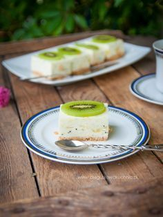 Kiwi, New Recipes, Panna Cotta, Food Porn, Food And Drink, Healthy Eating, Sweets, Cooking, Tableware