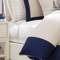 NAUTICA | We used a blend of linen and cotton to give this coverlet a by-the-seaside feel. Finished with classic quilted detail, it makes for a crisp bed with the coordinating duvet and looks just as great by itself when the weather gets warm. #vermontfashion