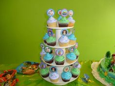 Cupcakes de vainilla y de chocolate para el cumpleaños de Tomás!