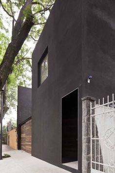 Cool facade!  Casa cerrada reformer by DCPParquitectos [mexico city]