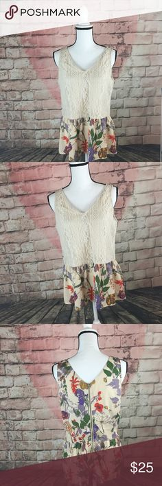 """Bar III Sleeveless Floral Lace top size small This bar III women's Sleeveless Floral print Lace top is a size small . The measurements are armpit to armpit 18.5"""" and the length is 25"""" . It is in good condition Bar III Tops"""