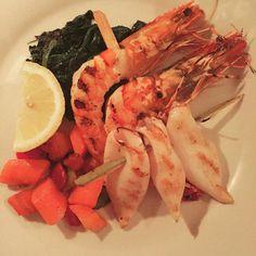Gutes Essen schnell noch einen Post und anschliessend ein Dessert aufs Haus genießen. So funktioniert die neue App #aufshaus. Gestern war beim Launch Abend  im #mezzevia und waren begeistert  #munich #lehel #münchen #muenchen #food #fisch #fish #gastronomie