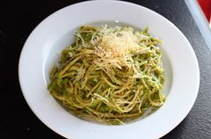 Pasta with Broccoli Cream Peso  This sauce is made with broccoli. Way better for you