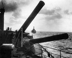 HMS Hood - 15 inch Naval Guns - Royal Navy - Gun Barrels capable of individual elevation angles :) Hms Hood, Marina Real, Capital Ship, British Armed Forces, Royal Marines, Big Guns, Navy Ships, Royal Air Force, Military Life