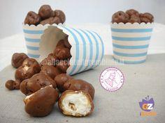 i popcorn caramellati al cioccolato sono l'unione perfetta di tutte le cose che piacciono ai bambini...anche gli adulti però li adoreranno!