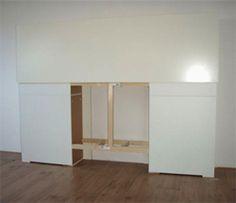 Dat is  nog eens ruimte besparen: een bedhoofd met lades waarin je al die rondslingerende spullen in de slaapkamer kwijt kunt.